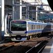常磐線は利根川橋りょうの改良工事に伴い、11月8日夜から9日早朝まで一部運休する。写真は常磐線の中距離列車。