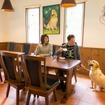 食事の用意もあるカフェスペースで軽井沢気分に浸り切り、まったり