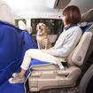 犬と人間が一緒に座れる、純正のペットシートマット
