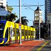 神戸市は「新たな交通手段」としてBRTやLRTの導入可能性の検討を行う事業者5社を選定した。写真はオーストラリア・ゴールドコーストを走るLRT