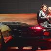 ナイト2000とともに主人公のマイケル・ナイト役のささきいさお氏(右)とキット(ナイト2000)役の野島昭生氏