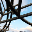高い位置で分岐する千葉モノレールの軌道(11月30日、千葉モノレール実証実験「サイクル&モノレール」)