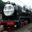 来年は『トーマス号』のほか『ジェームズ号』も運転される。写真は千頭駅で静態保存されている9600形(49616)。「トーマス」キャラクターのうち「ヒロ」の装飾が施されている。