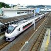 湯本駅を発つ下り常磐線特急。上野東京ラインの開業にあわせ、新たに「定期券用ウィークリー料金券」が設定される