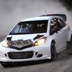 テスト走行する、ヤリス WRC