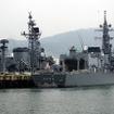 佐世保港クルーズから見えた護衛艦「きりさめ」。62口径76mm速射砲などを備える