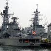 佐世保港クルーズから見えた護衛艦「しまかぜ」。高性能20mm機関砲などを備える