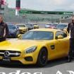 メルセデス AMG GT。左はメルセデスAMGトビアス・ムアース社長、右はメルセデス・ベンツ日本の上野金太郎社長