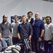 一堂に会した日本のトップビルダーらと、ハーレーダビッドソン社のダイス・ナガオ氏、そしてハーレーダビッドソンジャパンの代表取締役社長・スチュワート氏。