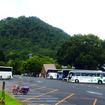 支笏湖で休むバスたち