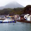 相浦港を発った「フェリーくろしま」。相浦富士とも呼ばれる愛宕山が見えた