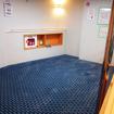 1階にもカーペット敷きのフロアがある