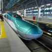 新青森~新函館北斗間は最短1時間2分で結ばれる。写真は新青森駅。