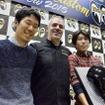 写真左からH-D新宿 神部氏、HDJスチュワート社長、H-D新宿 高地氏。