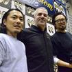 写真左からカスタムワークスゾンの植田氏、HDJスチュワート社長、吉澤氏。