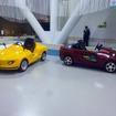 FC-PIUSは、メガウェブで体験運転できるキットカー・PIUS(ピウス)がベース(左)