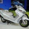 スズキ バーグマン フューエルセルスクーター(写真は2011年の東京モーターショー出展時のもの)