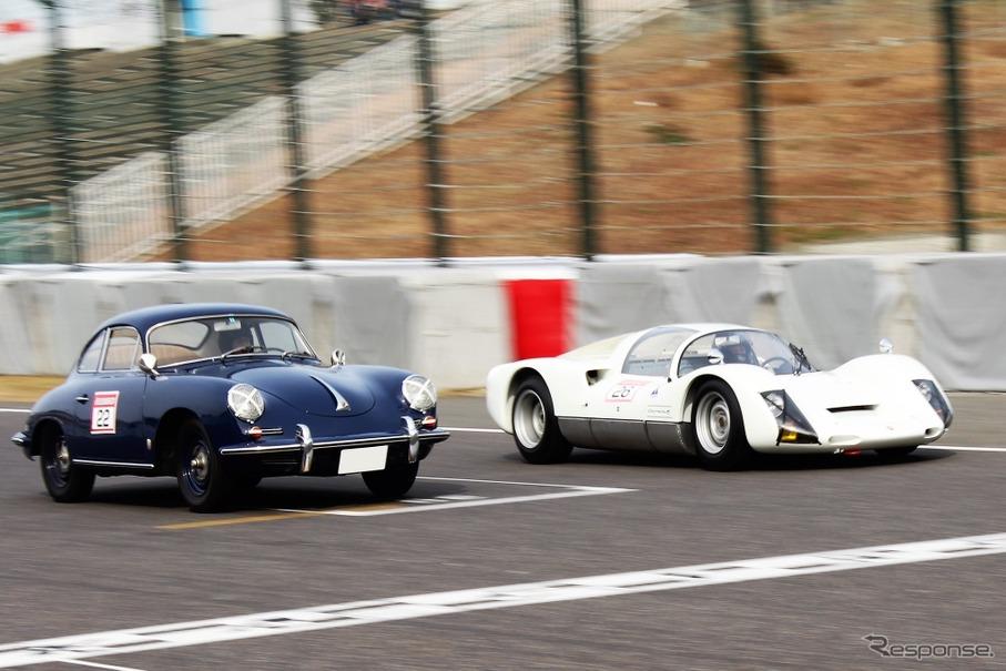 ポルシェ 356B(左)とポルシェ 906(右)