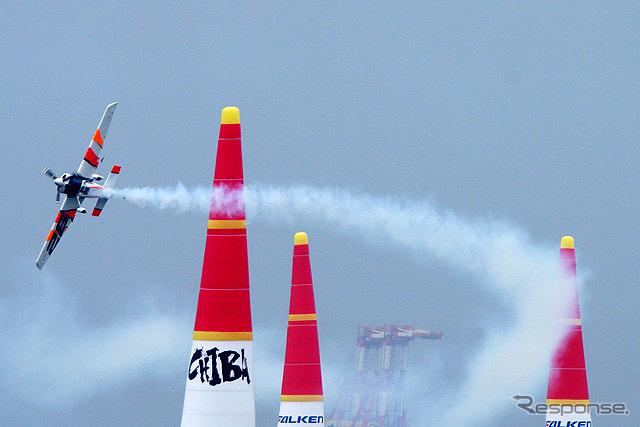 レットブル・エアレースが今年も千葉で開催されることになった。決勝は6月5日に開催。会場は昨年と同じく幕張海岸の特設コースとなる。