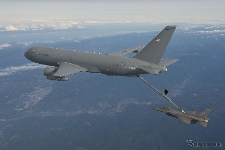 ボーイングと米空軍、KC-46A第1回給油フライトに成功