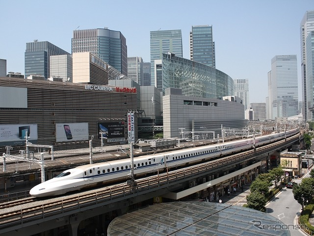 JR東海とJR西日本は2017年夏をめどに東海道・山陽新幹線に新しいチケットレスサービスを導入する。写真は東海道新幹線。