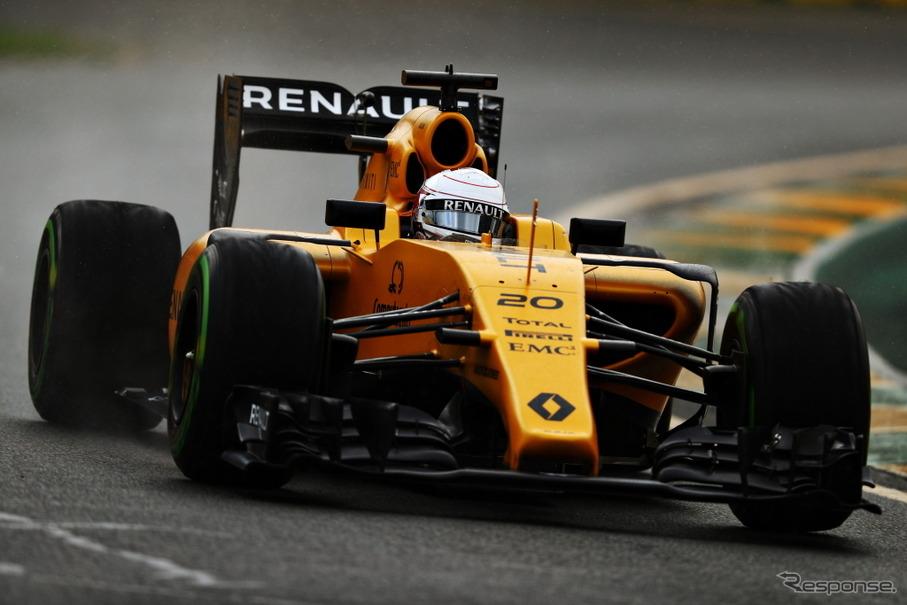 黄色メインのデザインに変更したルノーF1チーム