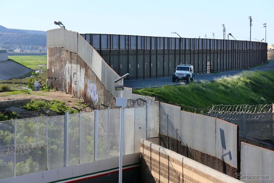 【新聞ウォッチ】メキシコ国境の「壁」建設命令で深まる対立---トランプ氏との会談中止、建設費に20%の輸入関税も ...