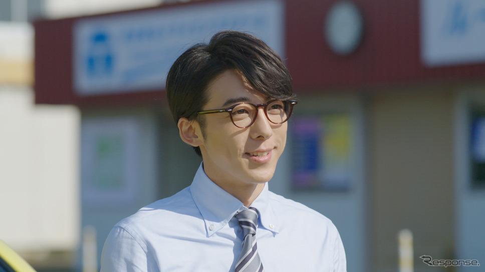 メガネをかけると知的でかっこいい高橋一生