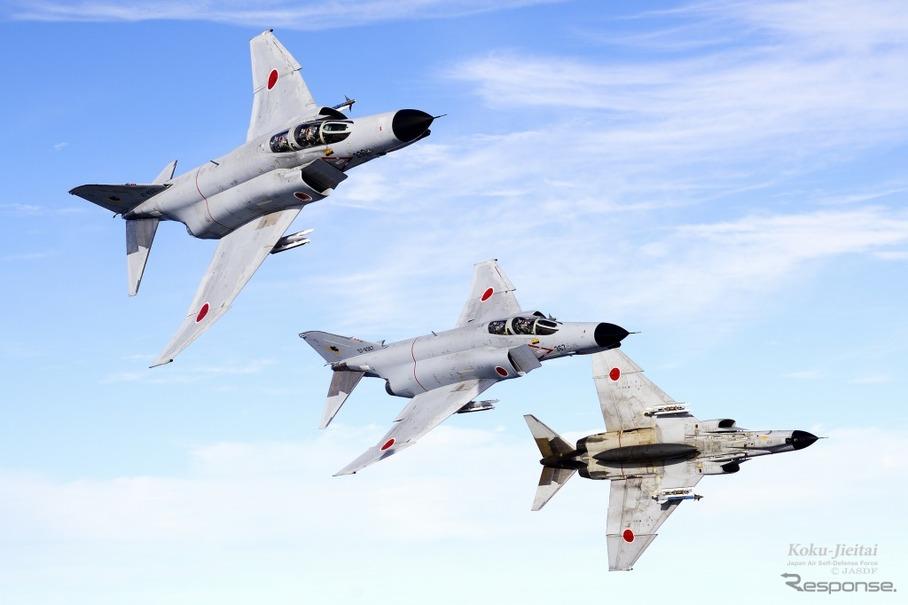 マッハ2.2の戦闘機F-4EJ改、もて...