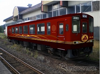 AN8900形8905号を改修する新しい観光列車の車体イメージ。