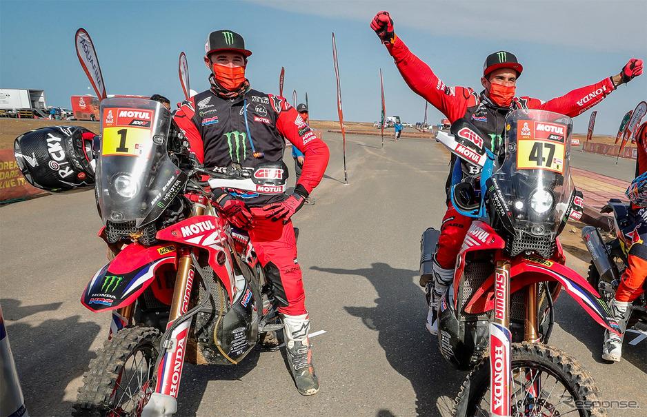 ケビン・ベナビデス(右)とリッキー・ブラベック(左)