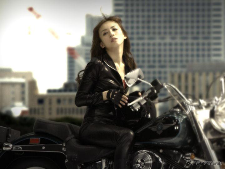 バイク王のメインキャラクターを務める優木まおみ