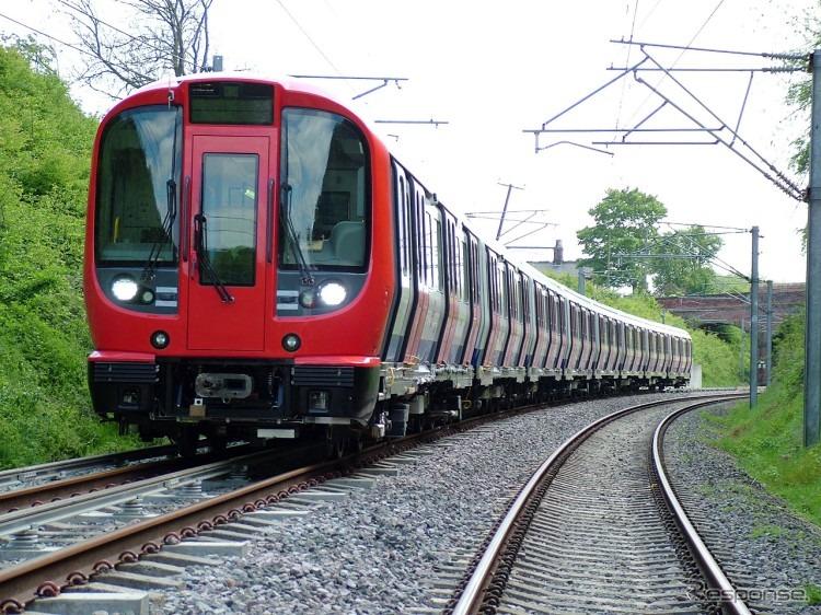 ロンドン地下鉄サークル線に初の...