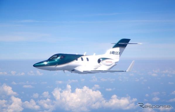ホンダジェット量産1号機の初飛行の様子