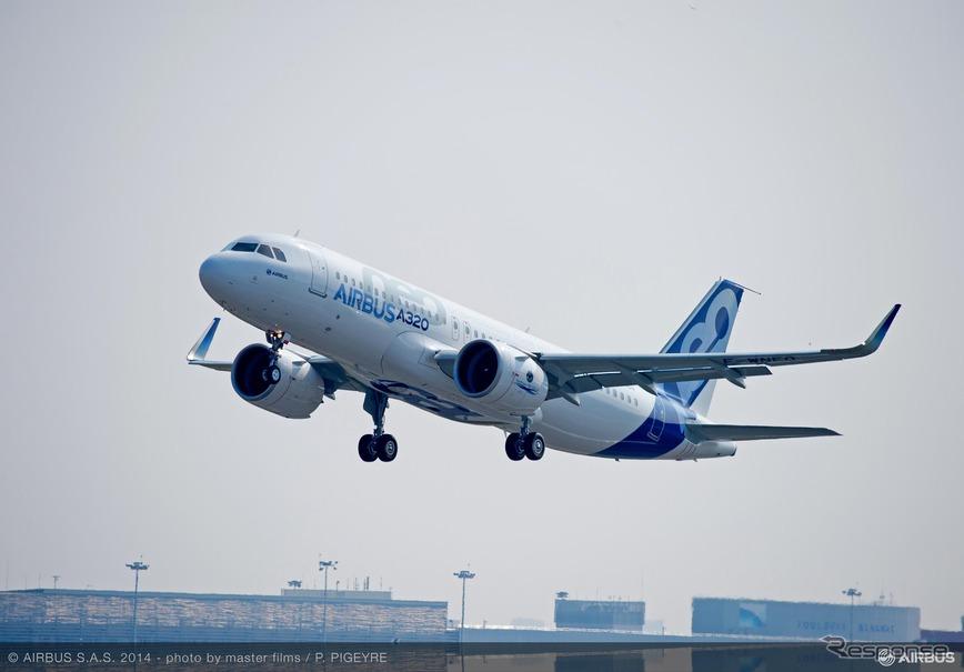 エアバス、A320neo初号機の初フ...