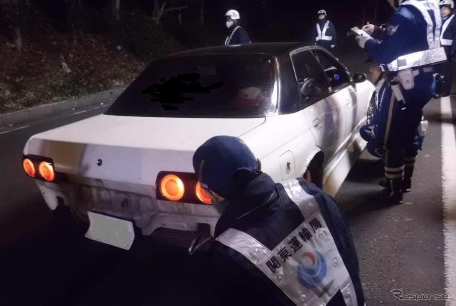 関東運輸局などが東京オートサロン2015に向かう車に対する特別街頭検査を実施