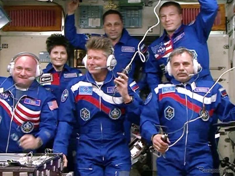 ISS長期滞在クルー3人、ロシアの...