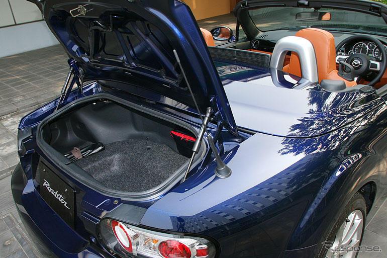 マツダ ロードスター RHT】トランクがソフトトップ仕様より広い