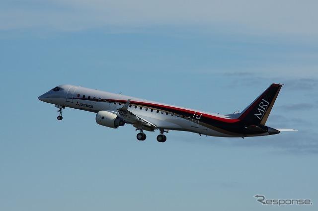 MRJ(三菱リージョナルジェット)初飛行のようす