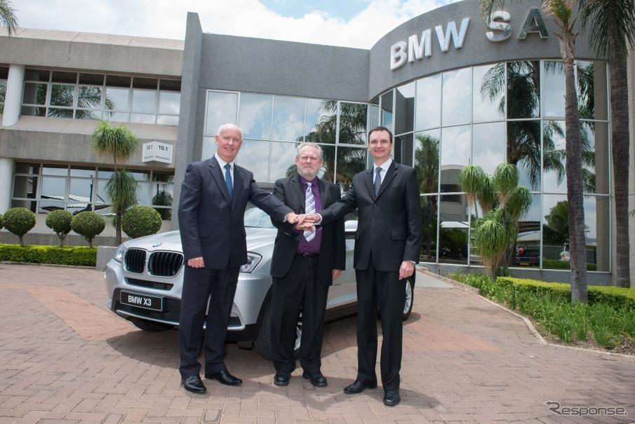 次世代X3を南ア工場で生産すると発表したBMW首脳