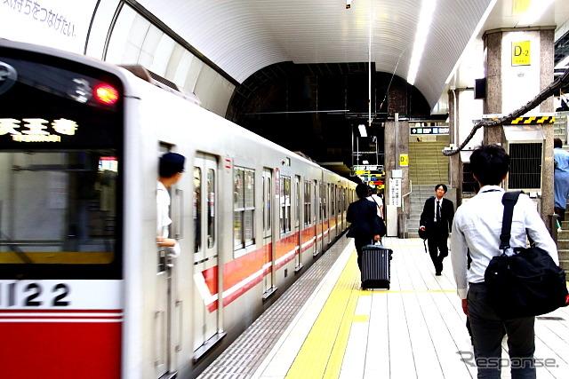 大阪市営地下鉄の御堂筋線。大みそか~元旦は市営地下鉄全線で終夜運転を行う