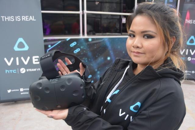 新型Viveはどう変わったのか―CES会場から体験レポ