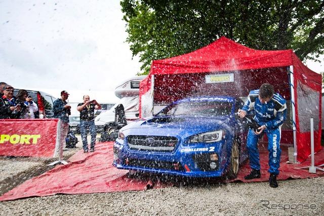 スバルの新型「WRX STI」、マン島一周ラップで世界記録樹立 平均車速は186.7km/h、最高速度257km/h