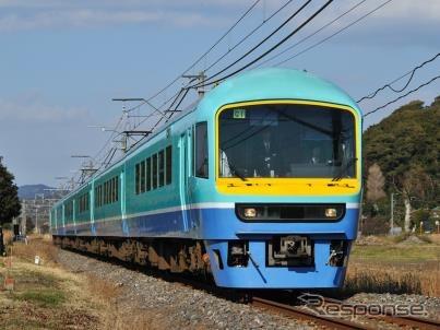 8月いっぱいで運転を終了する「ニューなのはな」。7月から8月にかけて引退記念の臨時列車として運転される。