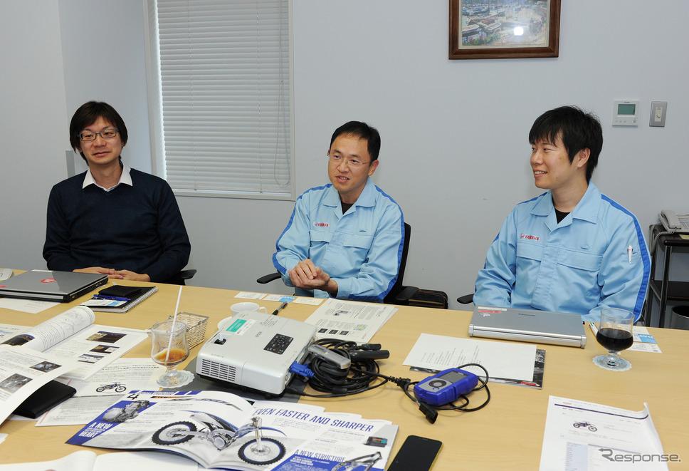 ヤマハのモトクロス競技用マシン「YZ450F」の開発メンバー