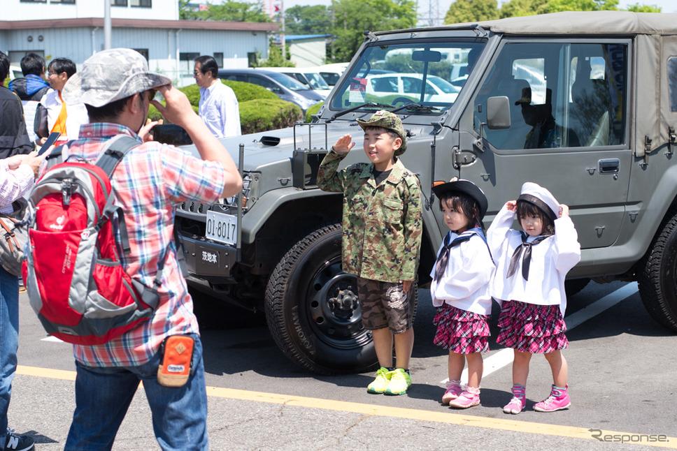 筑波サーキット・カーフェスティバル2018で自衛隊がブース出展(2018年5月5日)