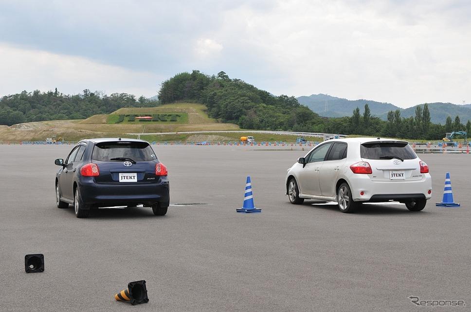 新型トルセンLSD「タイプD」装着車とノーマル(オープンデフ仕様)との比較試乗は旧型トヨタ オーリスで行った