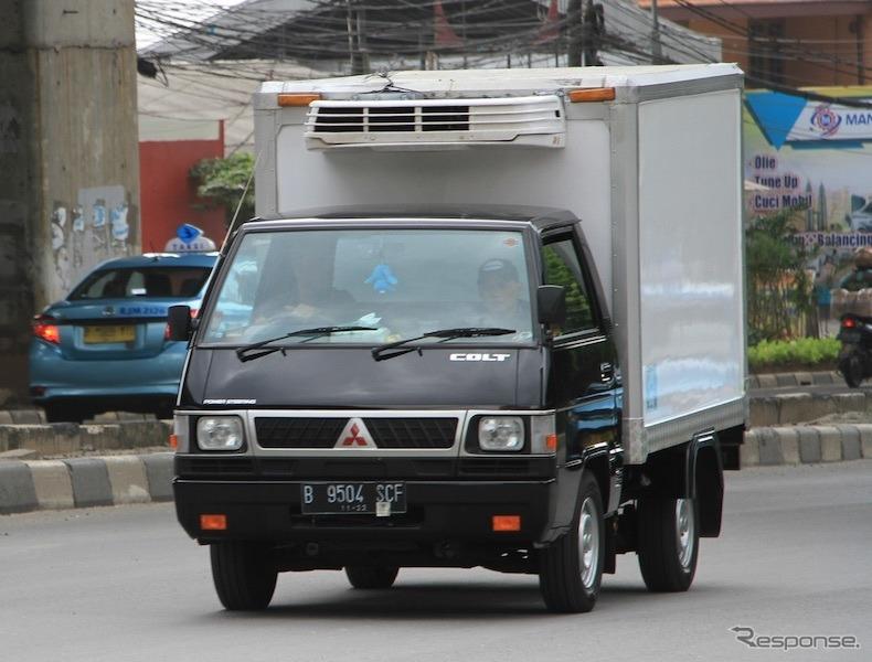 三菱L300-日本名デリカの旧世代、インドネシア