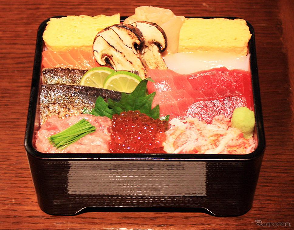 天然鮪と炙り秋刀魚の秋の味覚丼(築地寿司清)