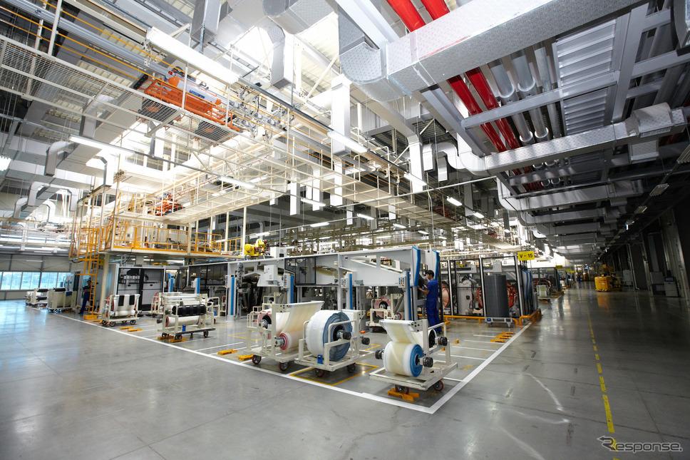 【PR】良いタイヤとは何か…そしてネクセンタイヤとは何者なのか!? 工場内に作業員が見当たらない